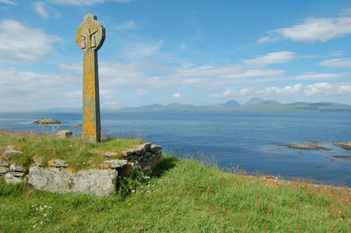 MacCormaig Isles View from Eilean Mor (http://commons.wikimedia.org/wiki/File:Eilean_Mor.jpg)