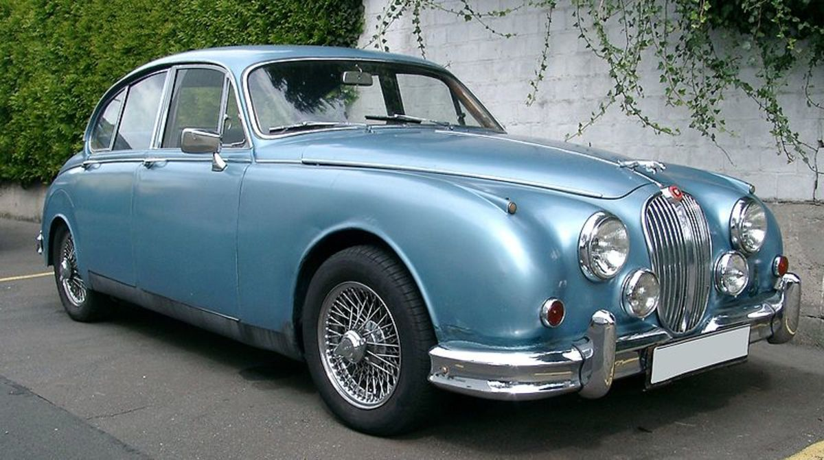 The Classic Jaguar Mk1 and Jaguar Mk2