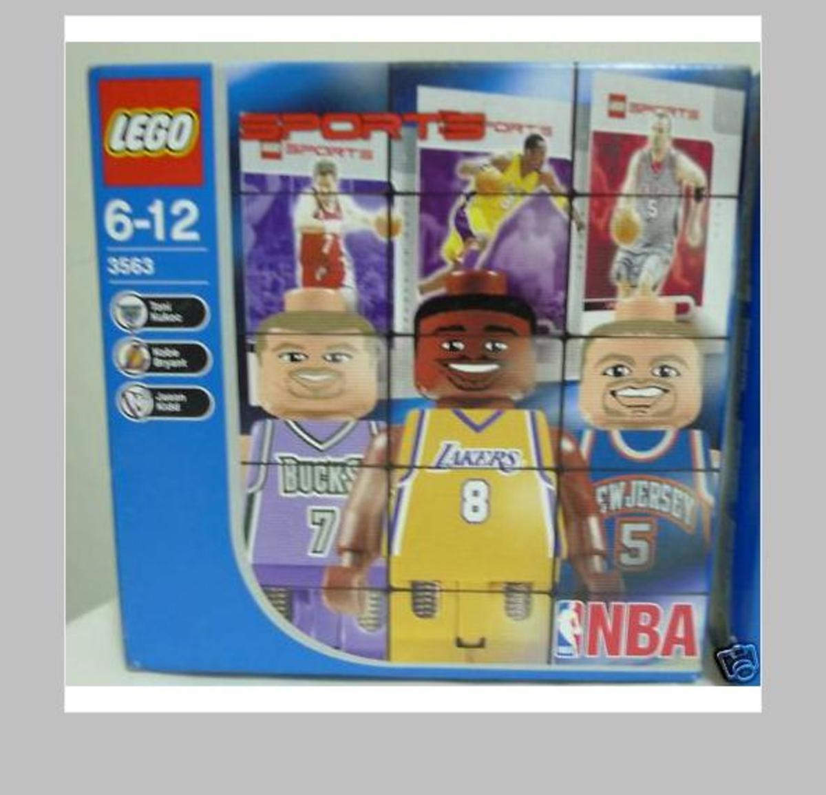 Lego NBA Collectors Set #4 in its box