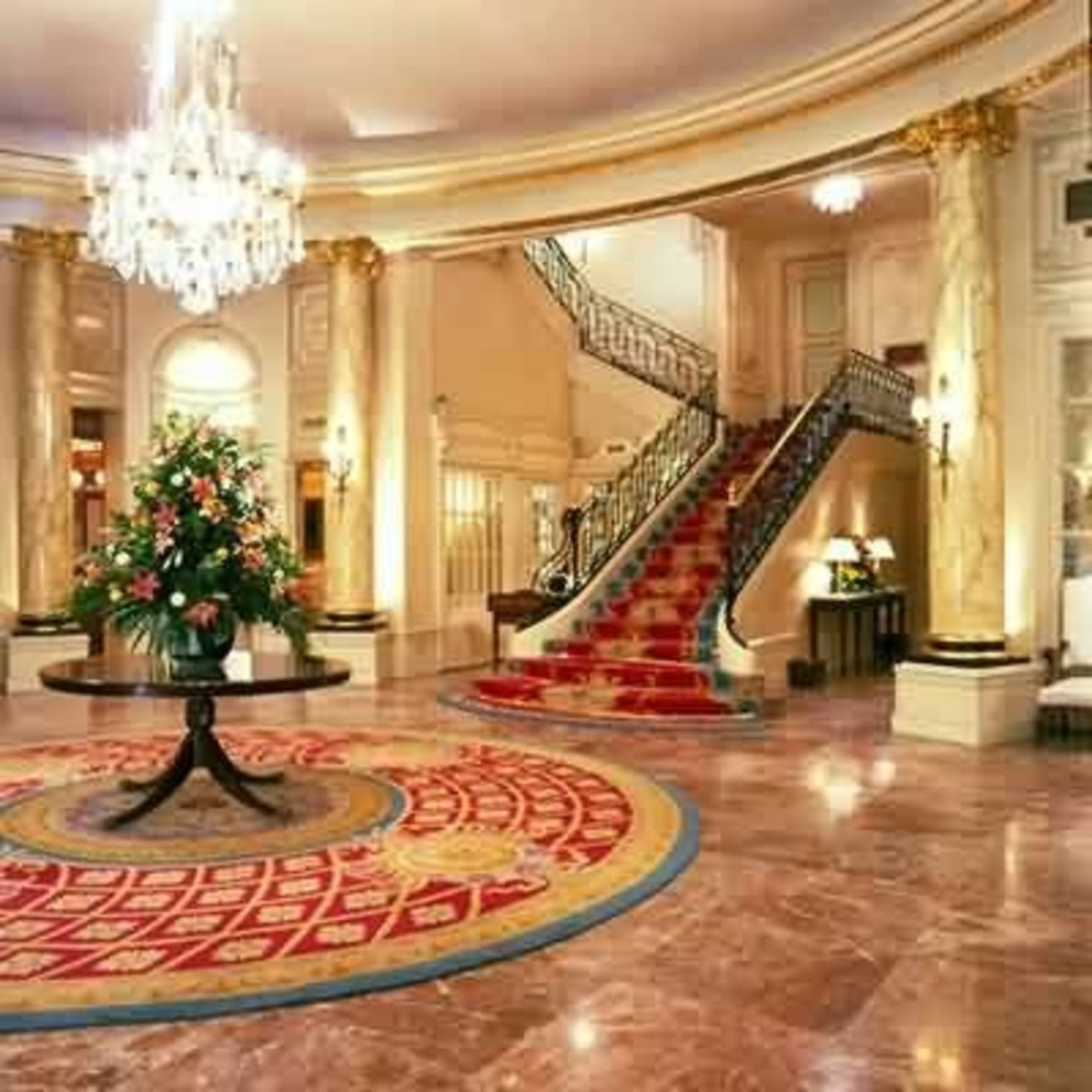 Main lobby at the Ritz.  Credit: www.whatahotel.com