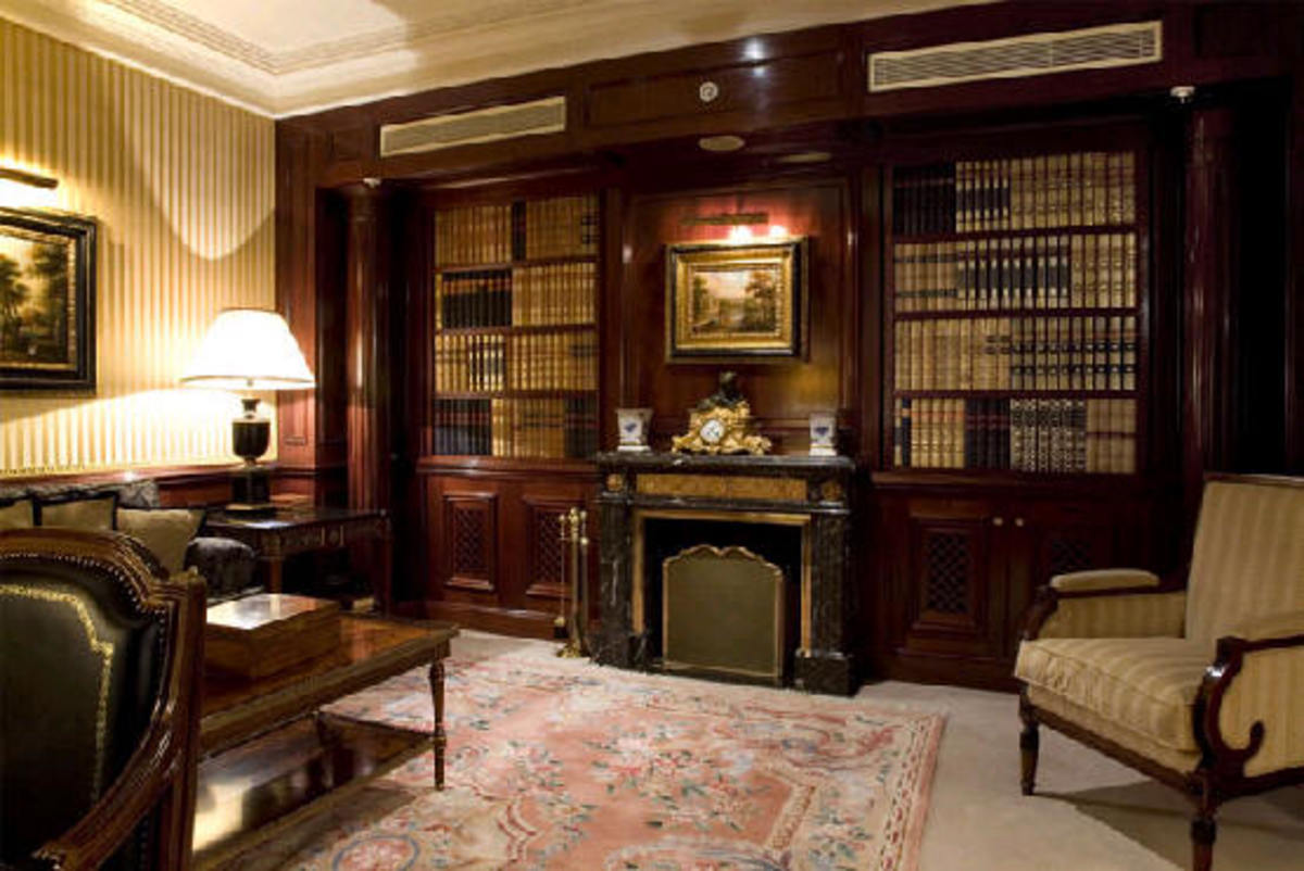 Library and cigar lounge at the Palace. Credit: www.esmadrid.com