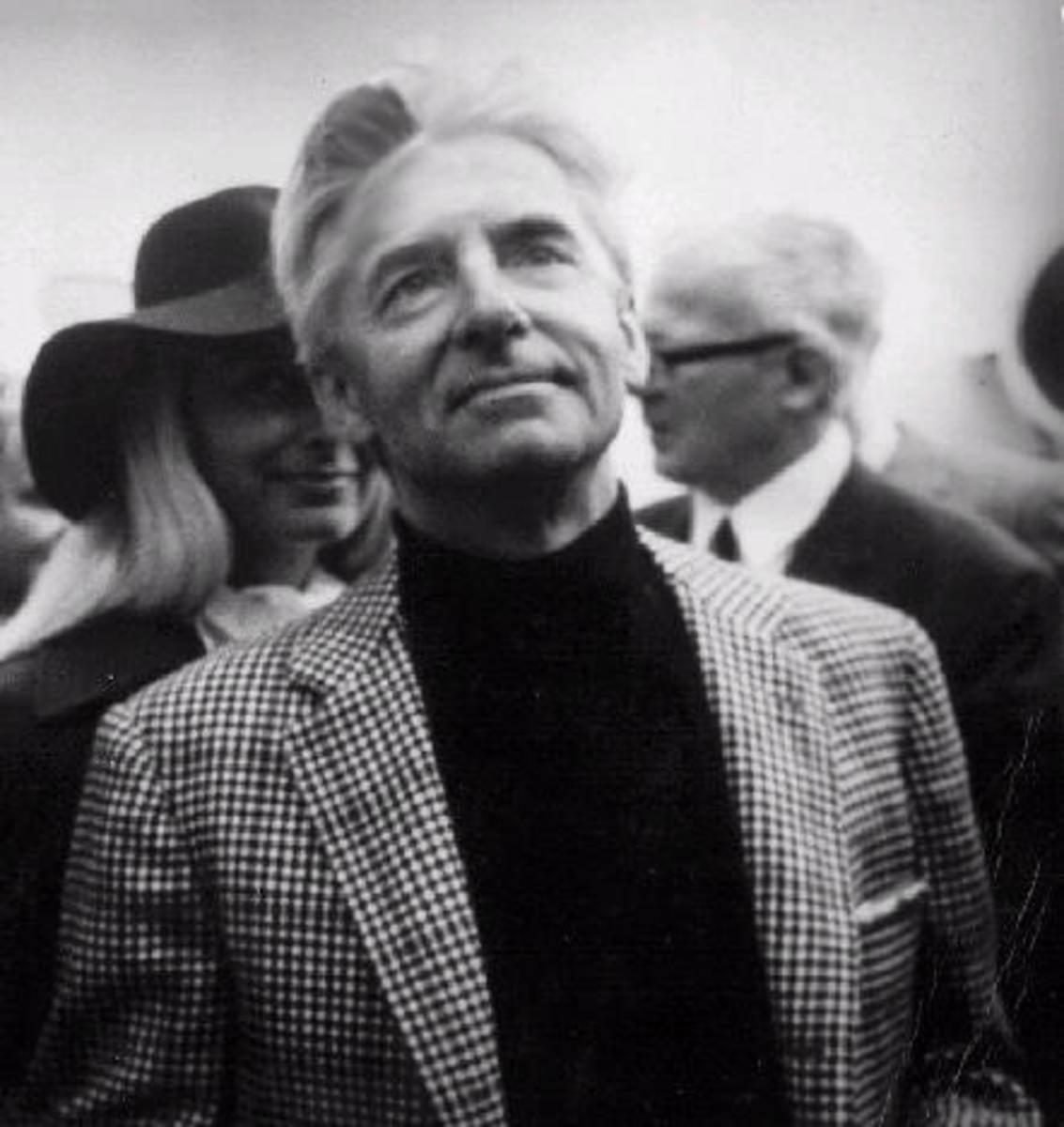 Karajan without a tie, exceedingly elegant regardless. Credit: unforgettablesolitude.wordpress.com