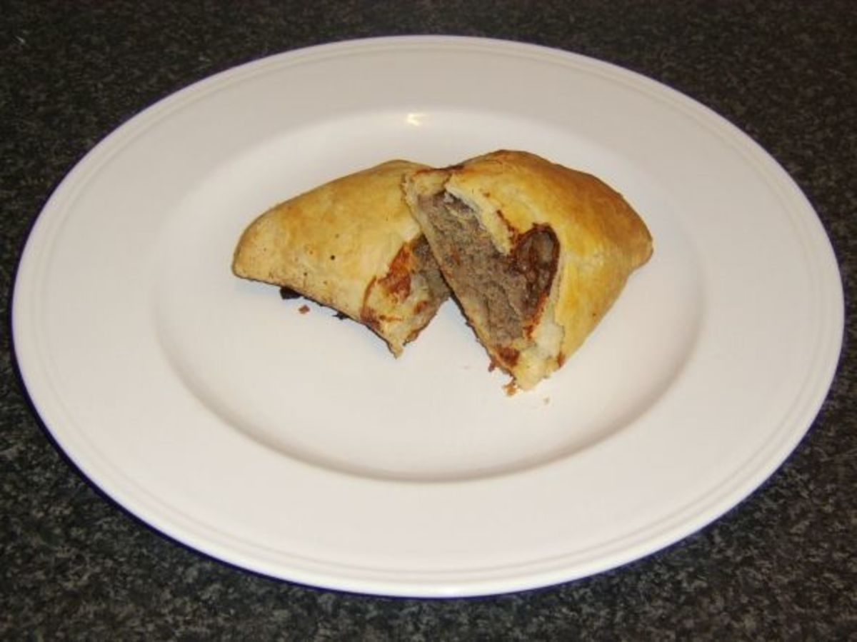 A Forfar Bridie served on its own