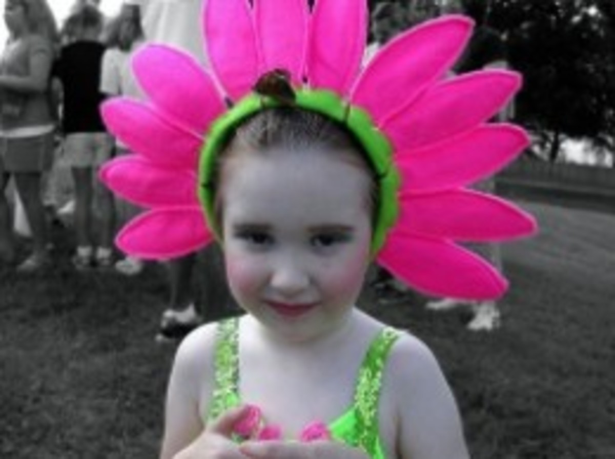 Easy to make a Halloween flower costume