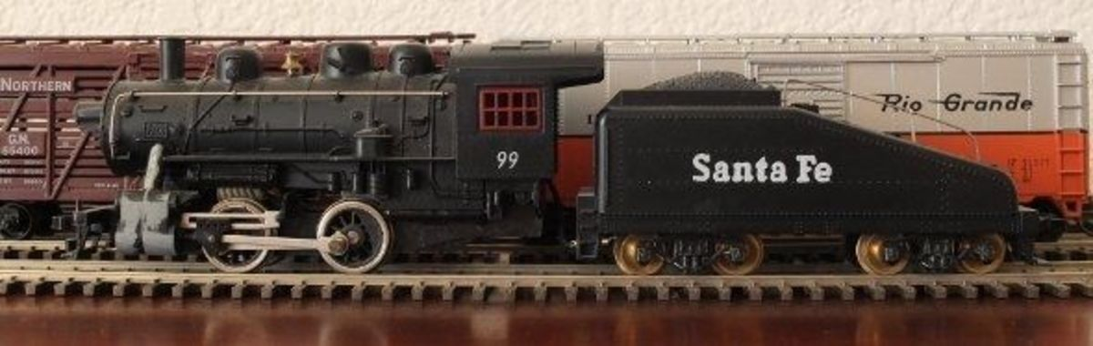 Small HO Scale Steam Locomotive