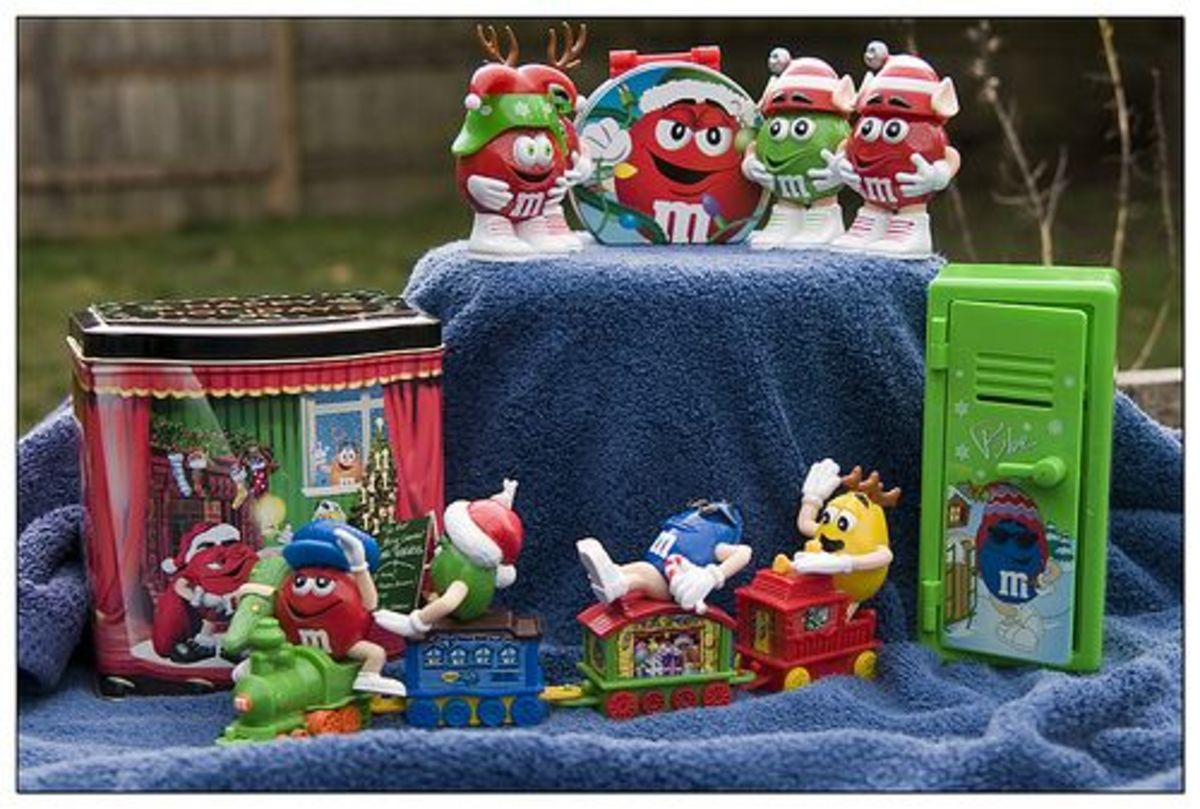 M & M Holiday Games