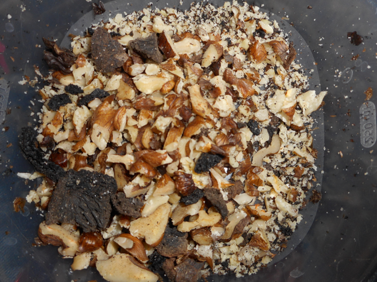 how-i-slice-walnuts-for-other-people-to-use-in-basket-making