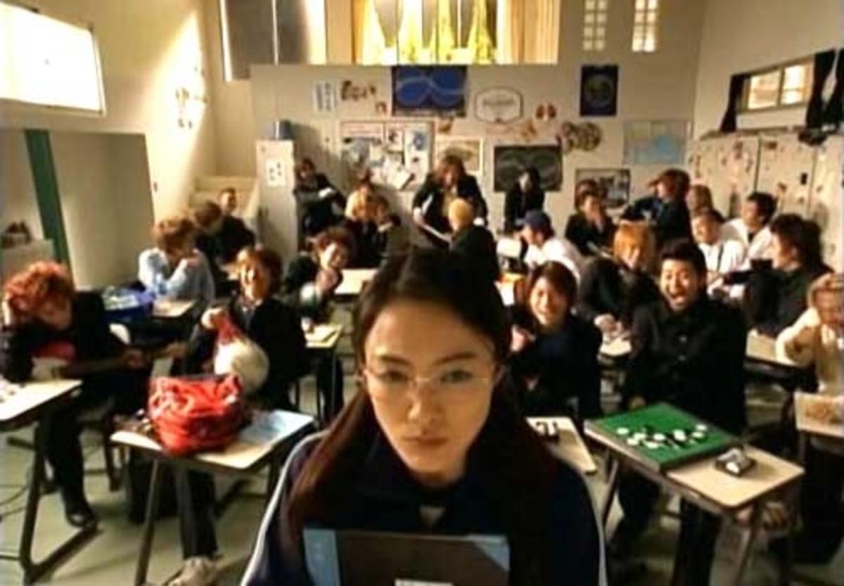 Yankumi in Gokusen 1 with her students