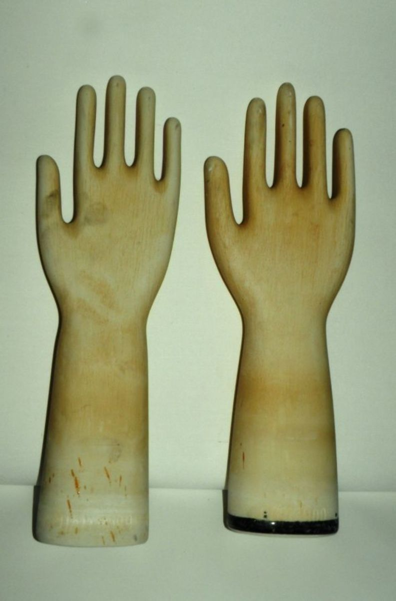 These are rare and hard to find - Hall China Ceramic Glove Molds