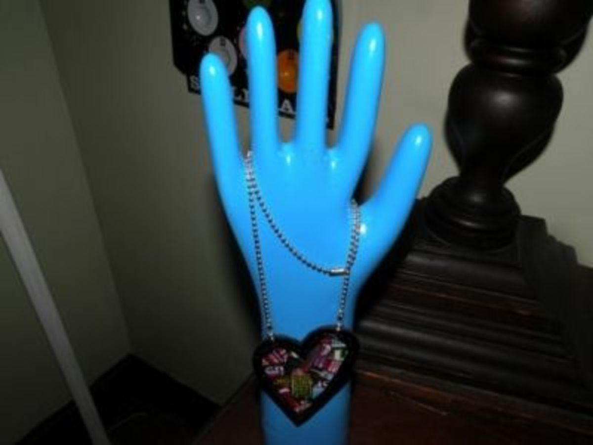You can paint the bisque non-shiny glove molds like these!