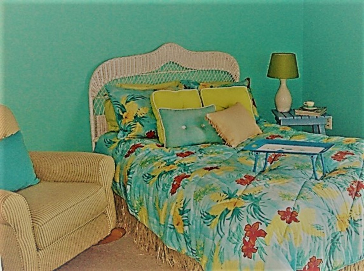 Beach bedroom with grass bedskirt
