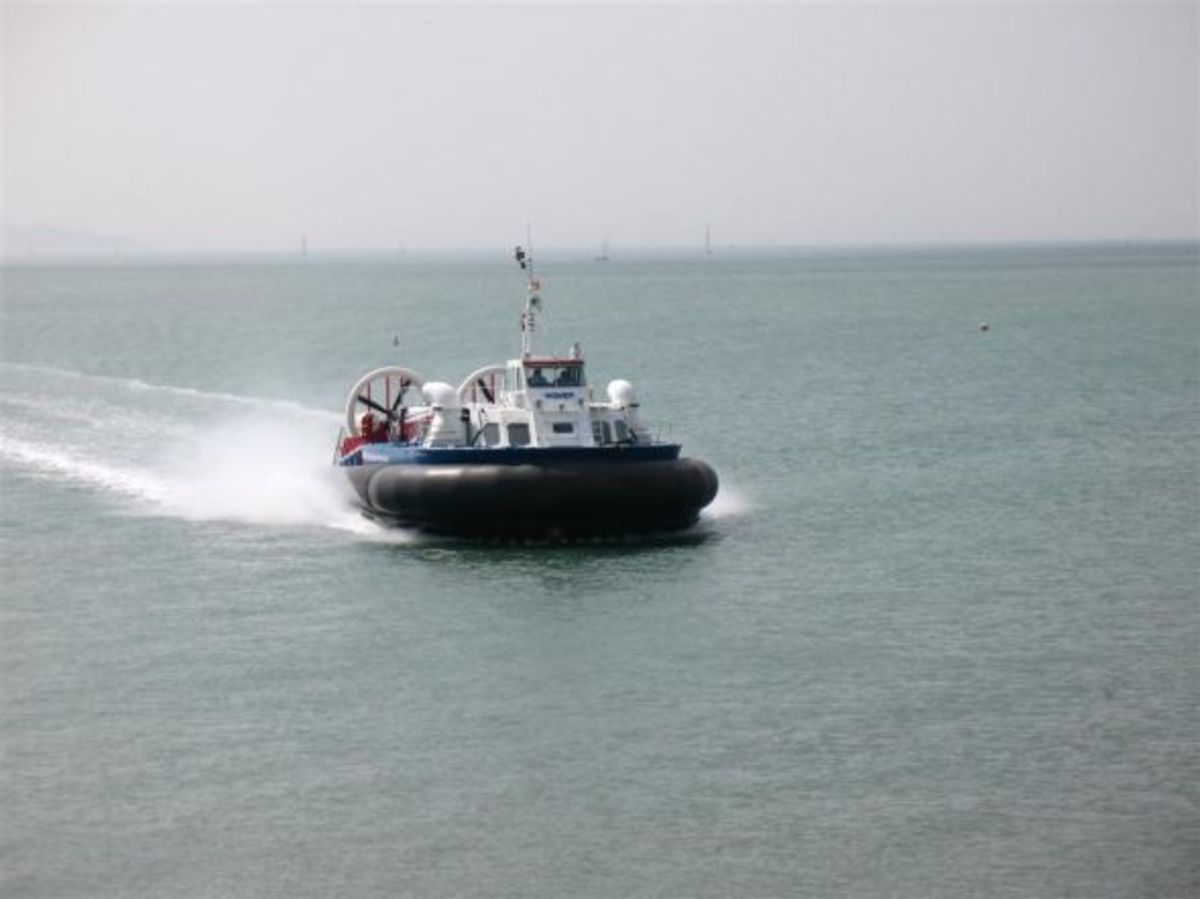 Hovertravel Freedom 90