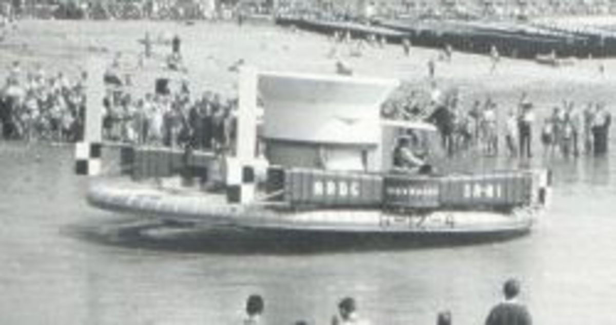 The SR-N1 Hovercraft completing it's first crossing of the English Channel in 1959