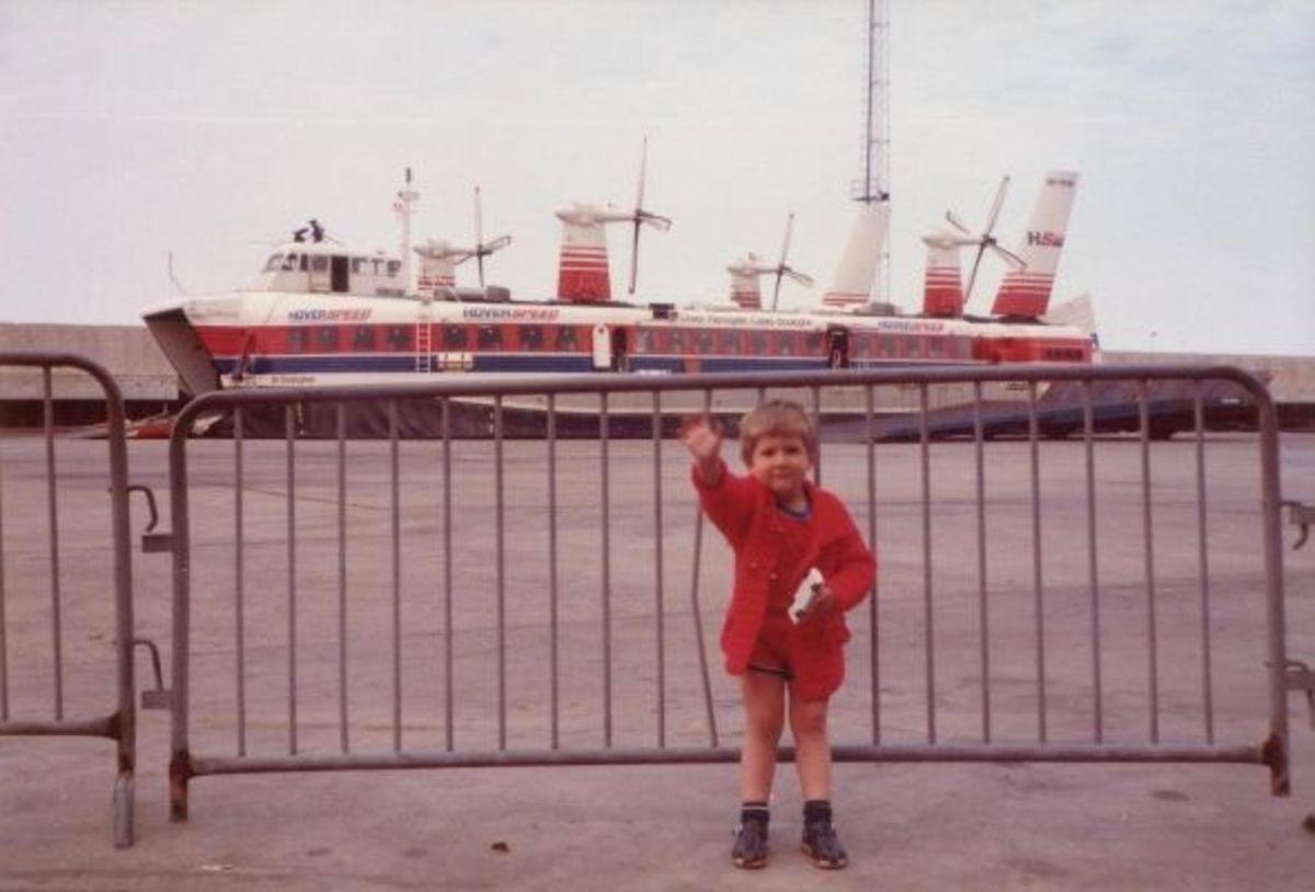 "Hoverspeed SRN4 ""Sir Christopher"" taken in Dover."