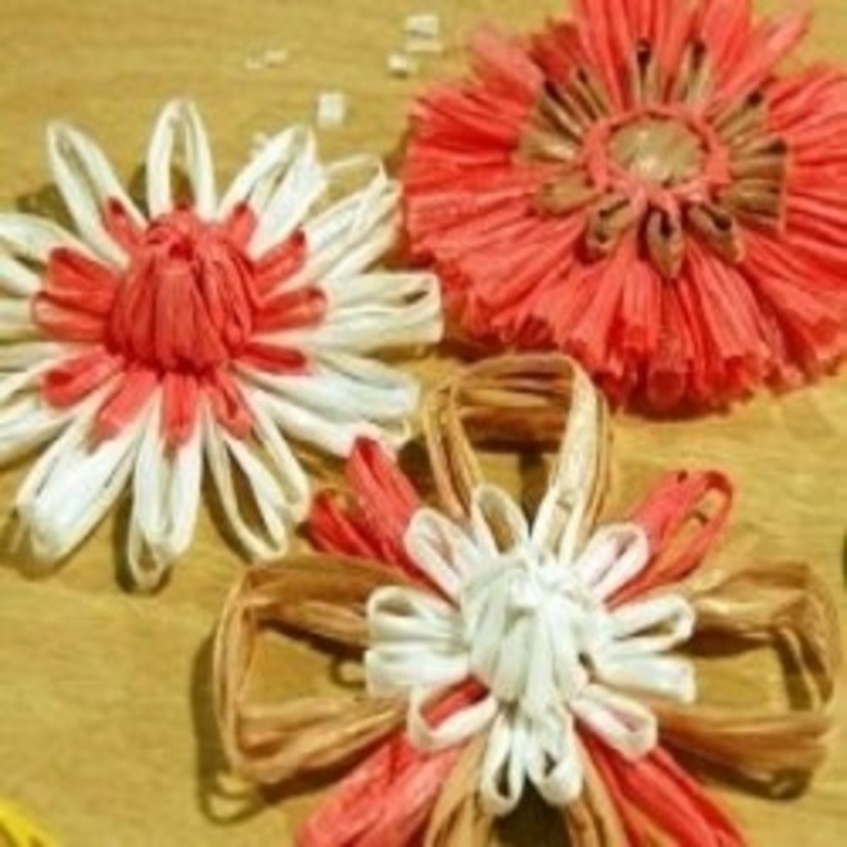 Knifty Knitter Raffia Flowers
