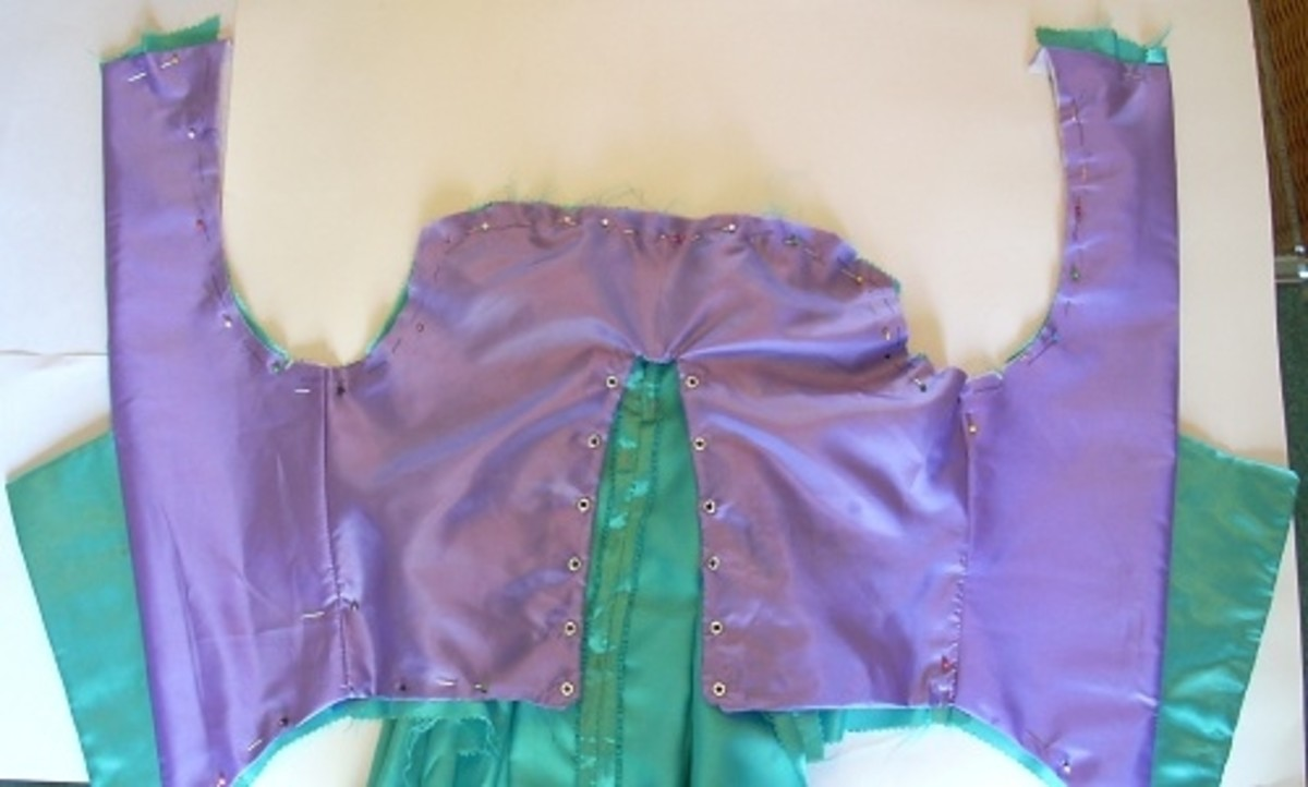 Attaching lining to bodice/dress