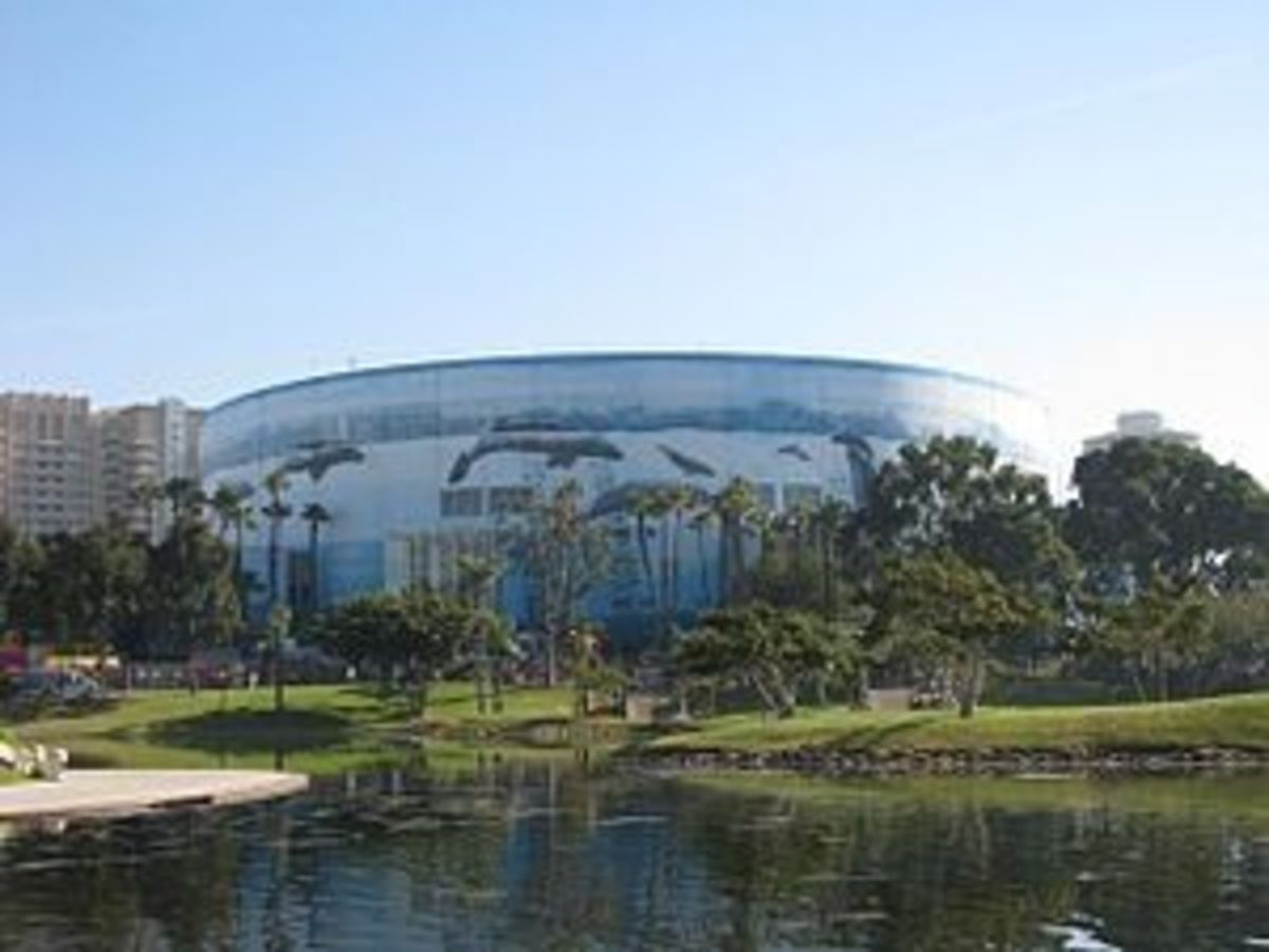 Long Beach Convention and Entertainment Center  -  The Rainbow Lagoon was filled in and the Convention Center was built on that land.   It was originally attached to the Municipal Auditorium until that was torn down in 1975.(Photo #1)