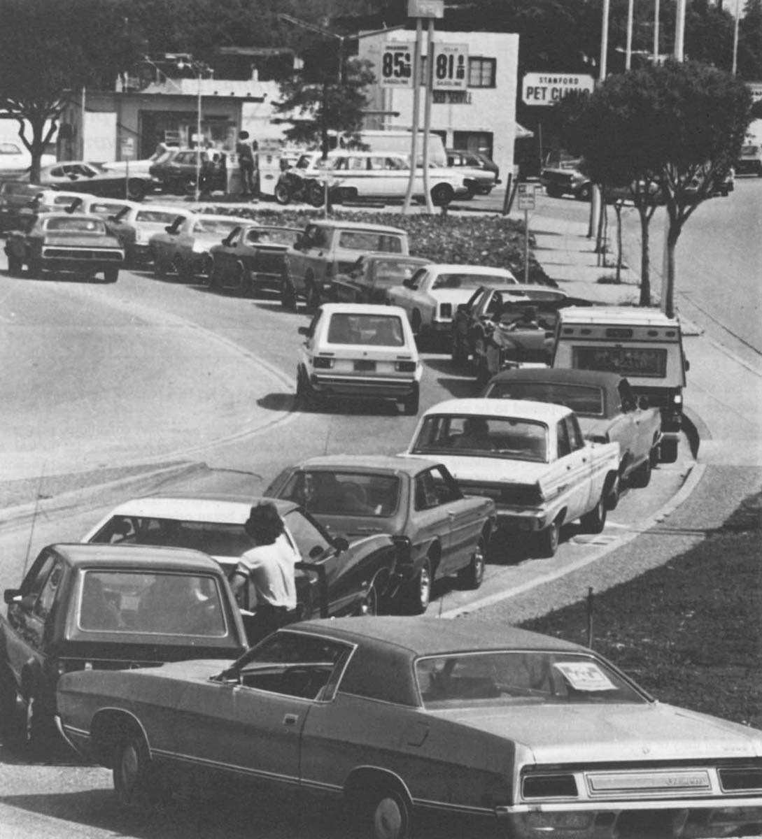 AMERICANS WAIT IN LINE FOR GAS DURING 1979 SHORTAGES