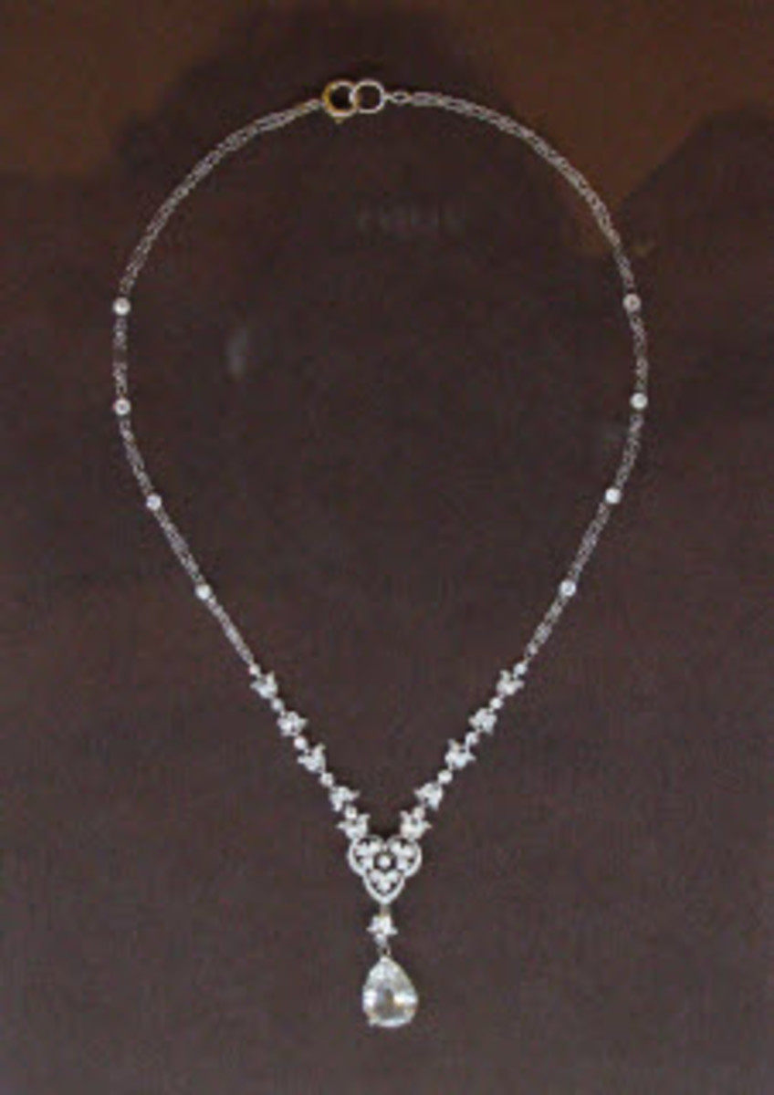 This is a picture of a necklace made from real diamonds. It is on display at the Fields Museum in Chicago.