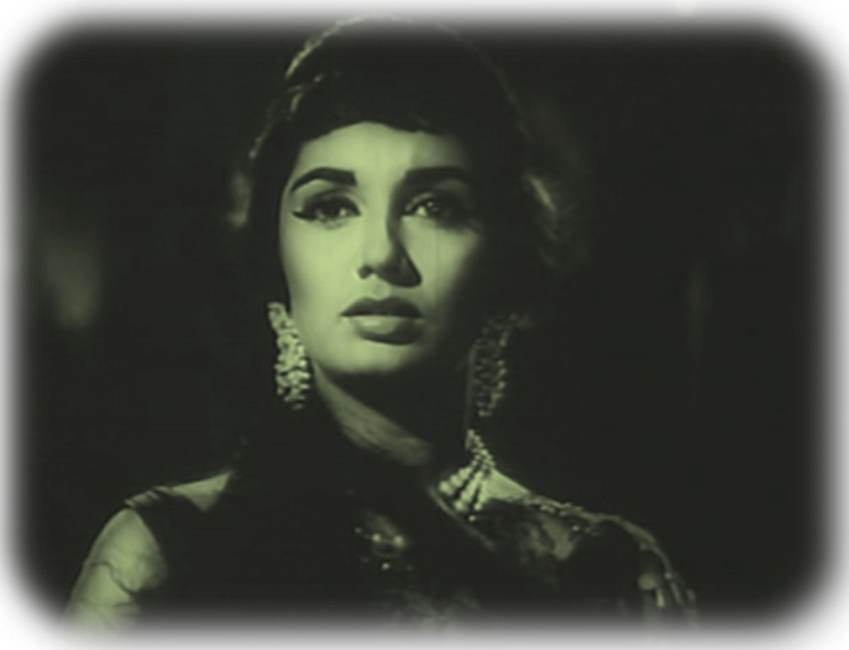 Sadhna in Woh Kaun Thi : This number has an out of this world quality that makes you feel in a different world.