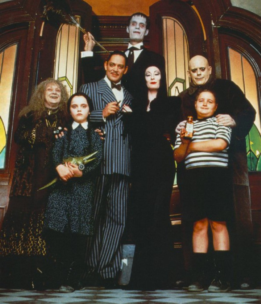addams-family-halloween-costumes