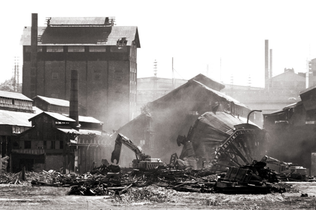 Demolition of the original facility in Bethlehem in 2007