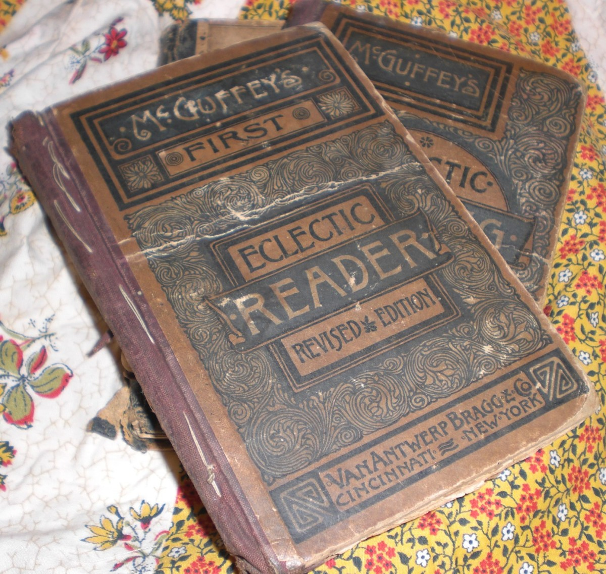 A RARE FIRST EDITION MCGUFFEY'S ECLECTIC READER
