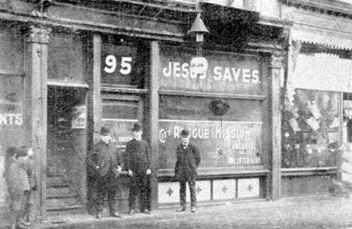 MEL TROTTER FOUNDED THIS RESCUE MISSION IN GRAND RAPIDS, MICHIGAN (PHOTO 1900)