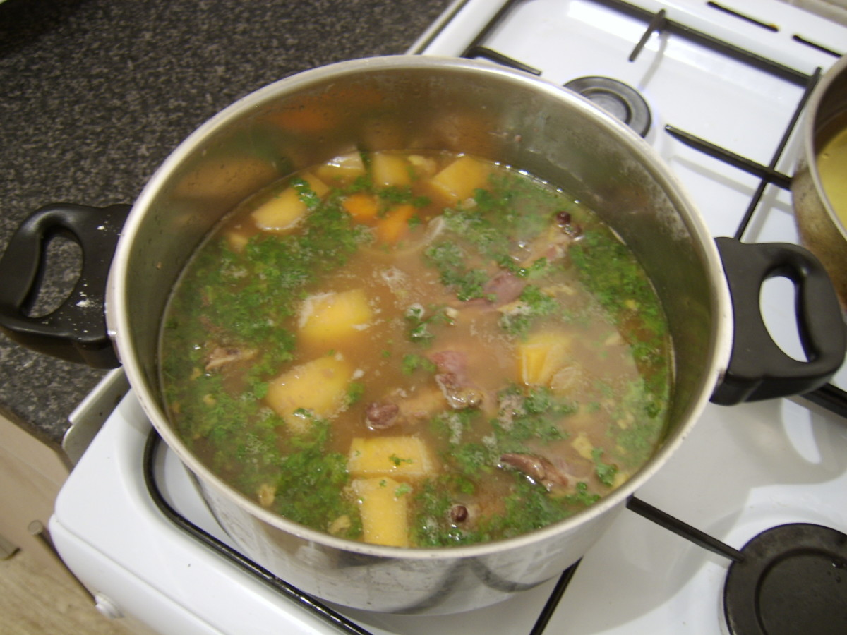 Chopped parsley is the final ingredient to be added to the Faisin au Vin