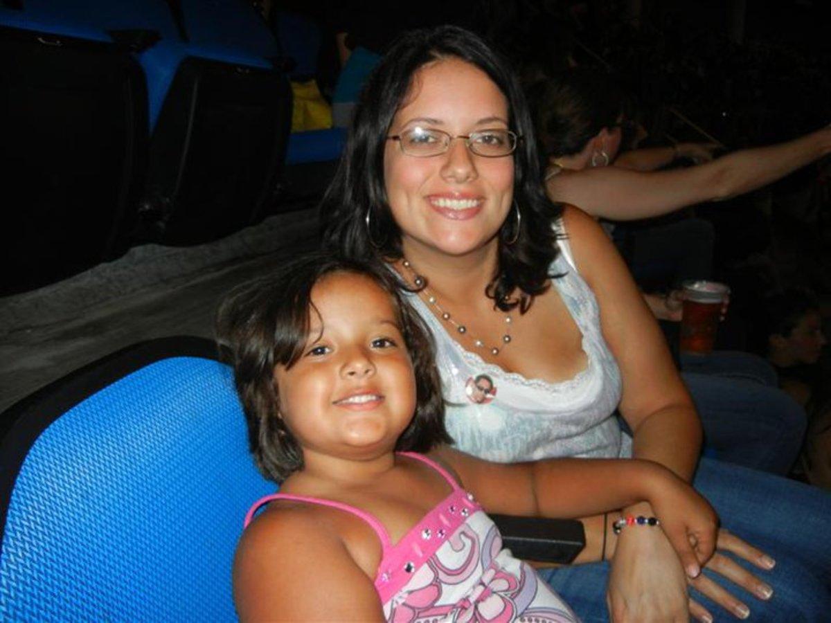 Carissa and Faith at the NKOTBSB concert