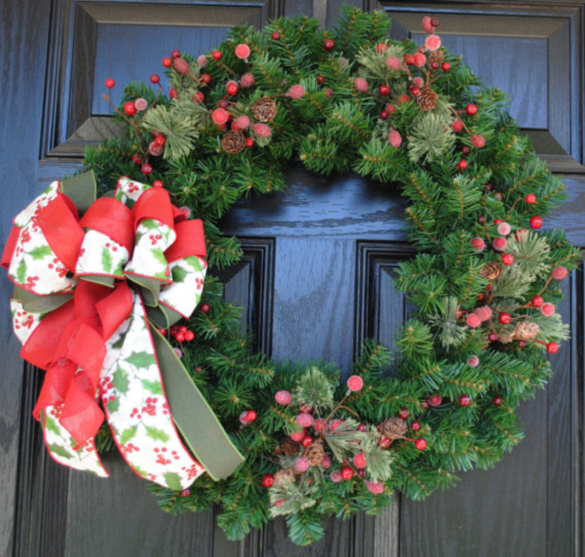 10 ways to decorate evergreen wreaths decoration ideas for Artificial cranberries for decoration