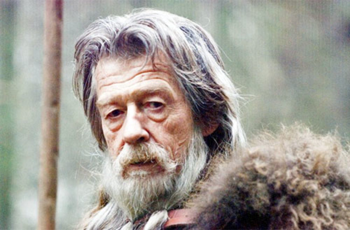 "John Hurt as Zeus disquised as  'Old Man'  in ""The Immortals"""