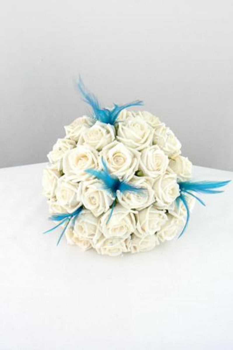 photo credit: silk-wedding-bouquets.co.uk