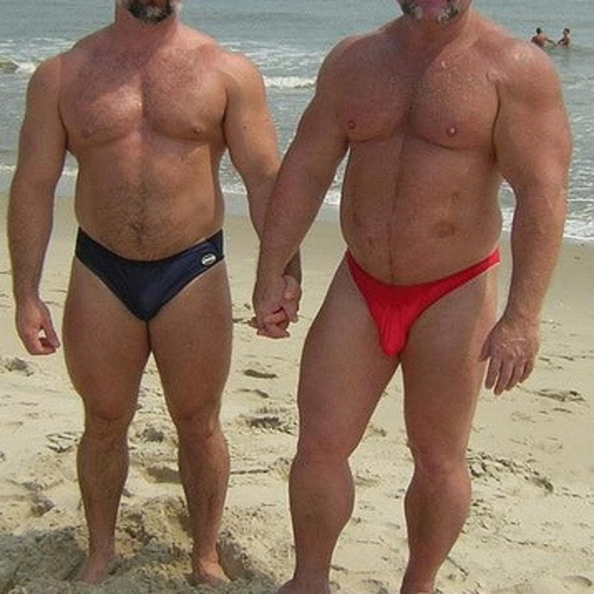 Muscular Bear Men In Speedos