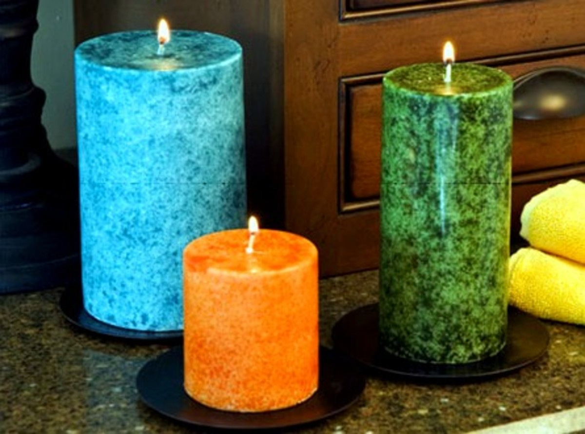 Candles add color and a fresh scent to half baths