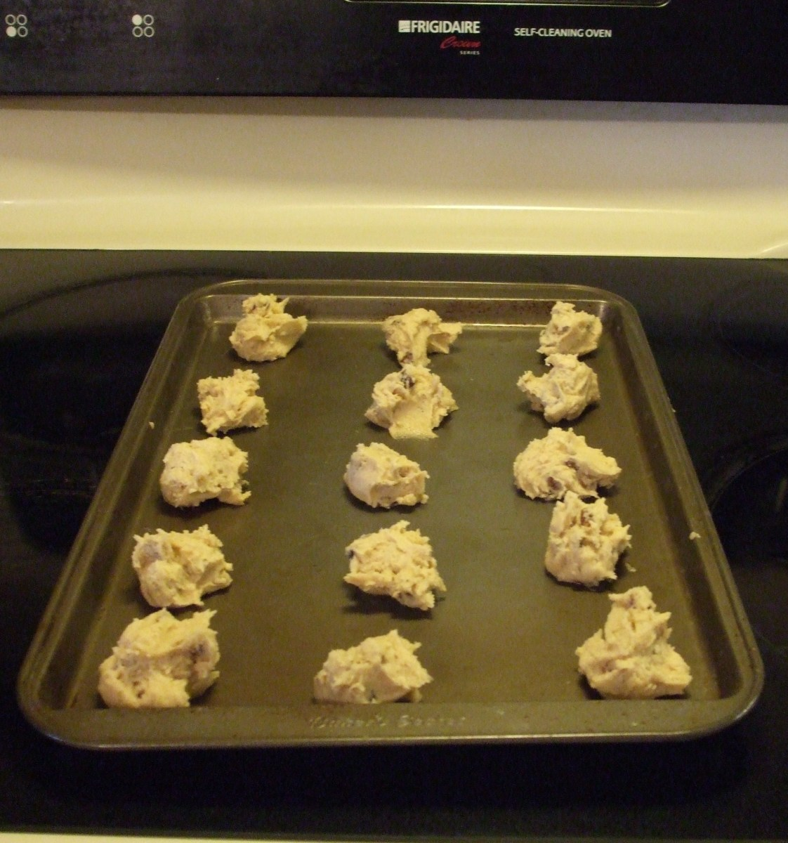 Size and spacing of the cookies before they go into the oven.