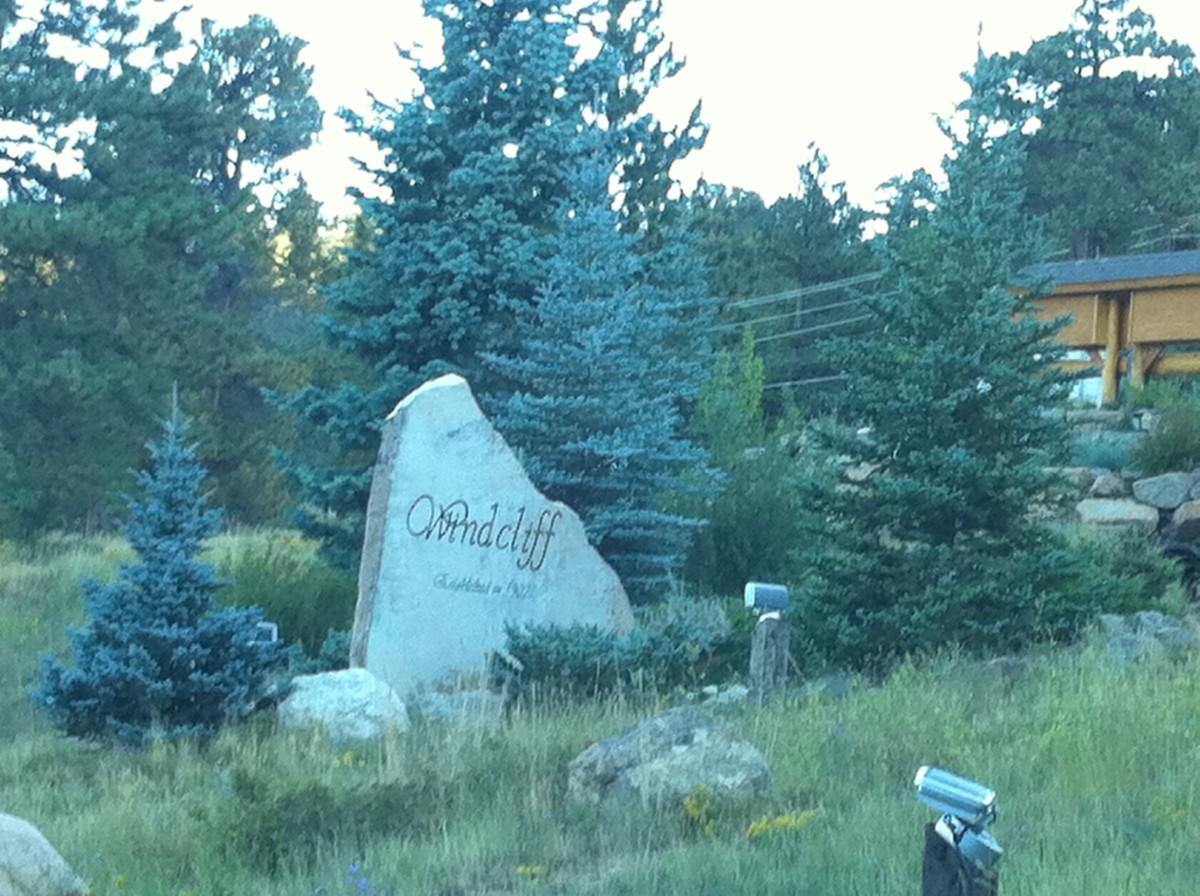 Travel Guide to Estes Park, Colorado