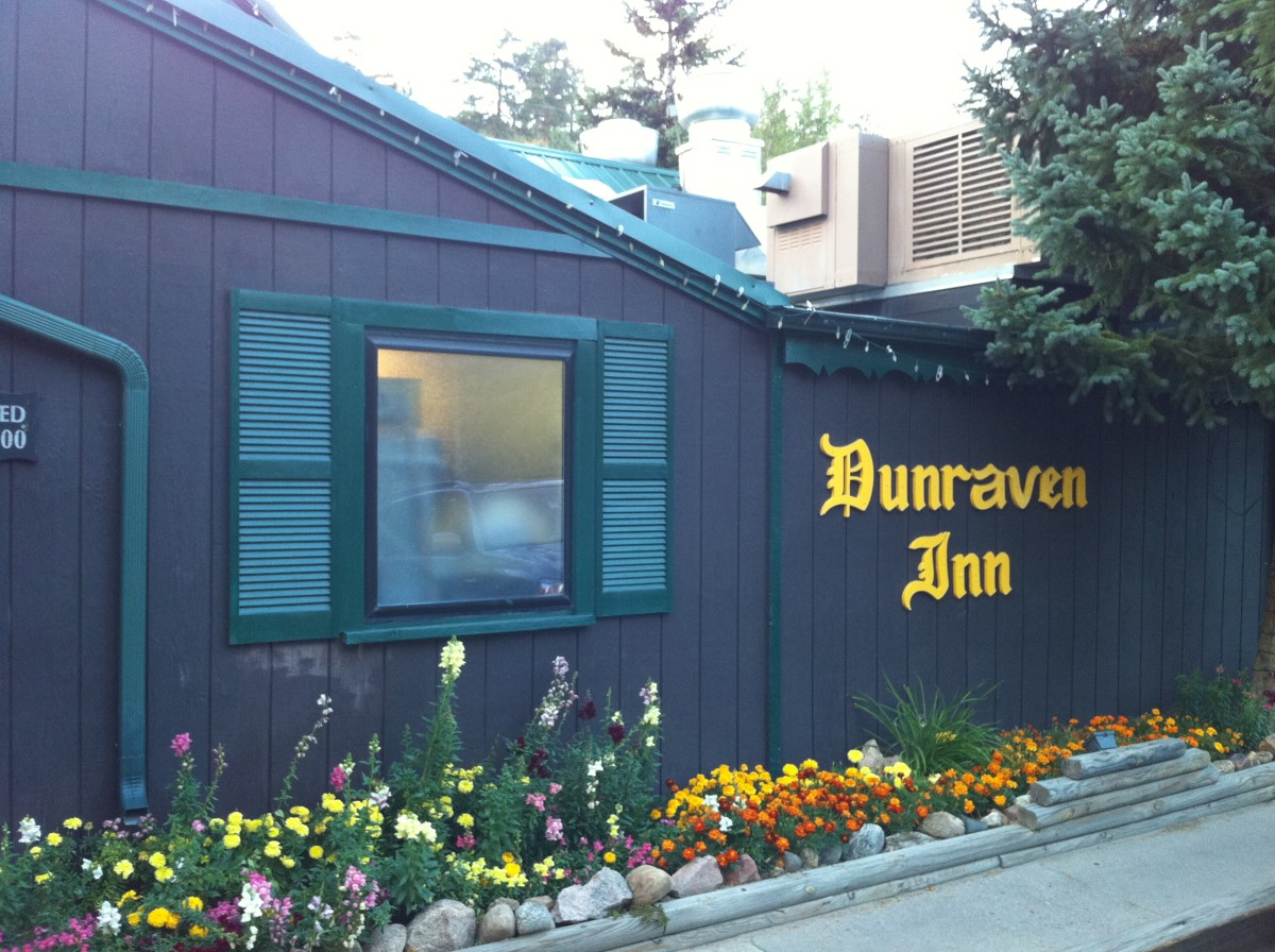 Dunraven Inn - A decent restaurant in Estes Park.