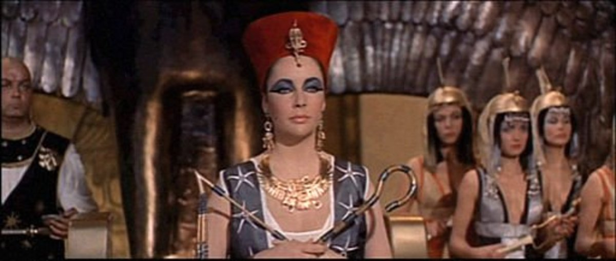 From the Trailer for Elizabeth Taylor as Cleopatra in 1963.