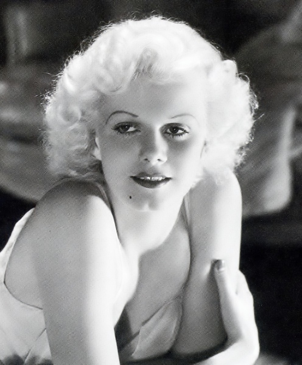 A stunning glamour shot of Jean Harlow by George Hurrell