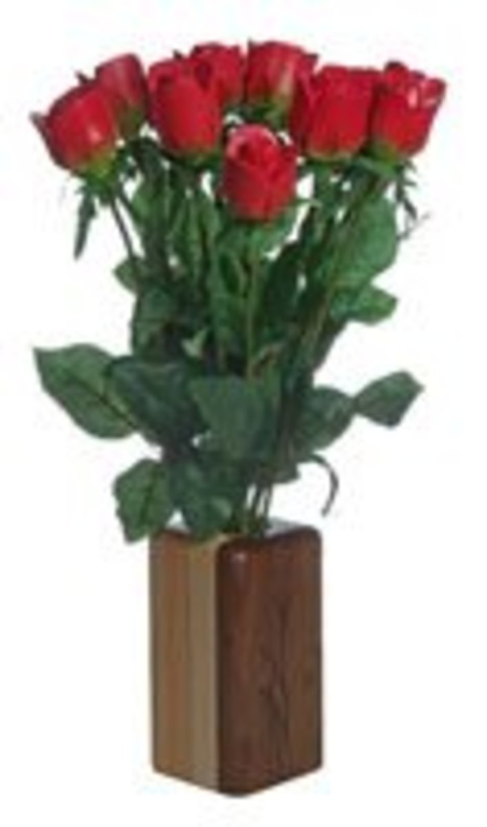 Paper Roses are perfect for 1st wedding anniversary gifts