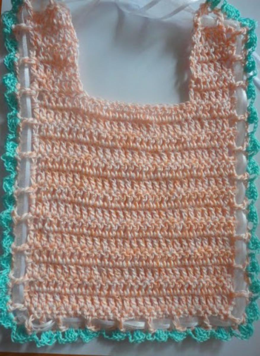 Free Crochet Pattern: Easy Baby Bib in Cotton Thread
