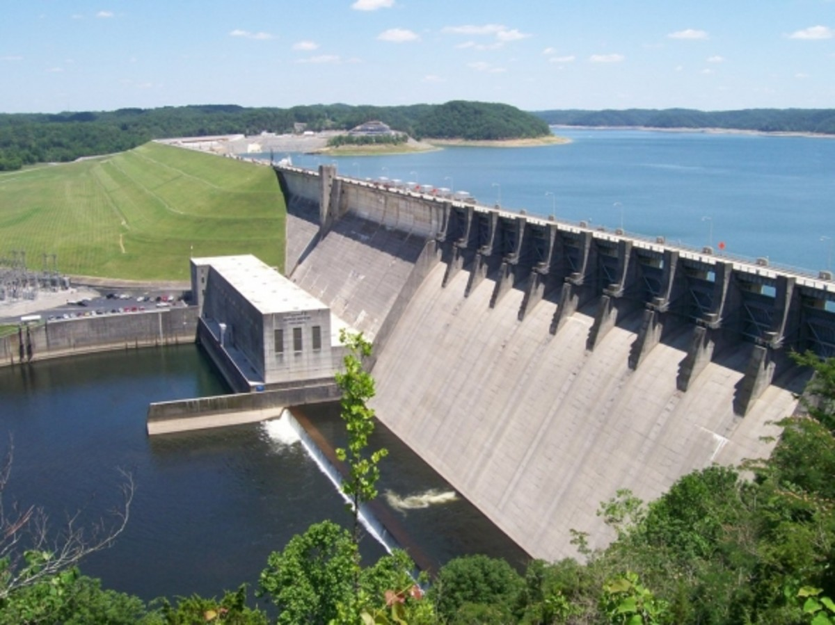 The Cumberland Falls Dam was built to control flooding and provide hydroelectric power. The Lake is a popular tourist spot.