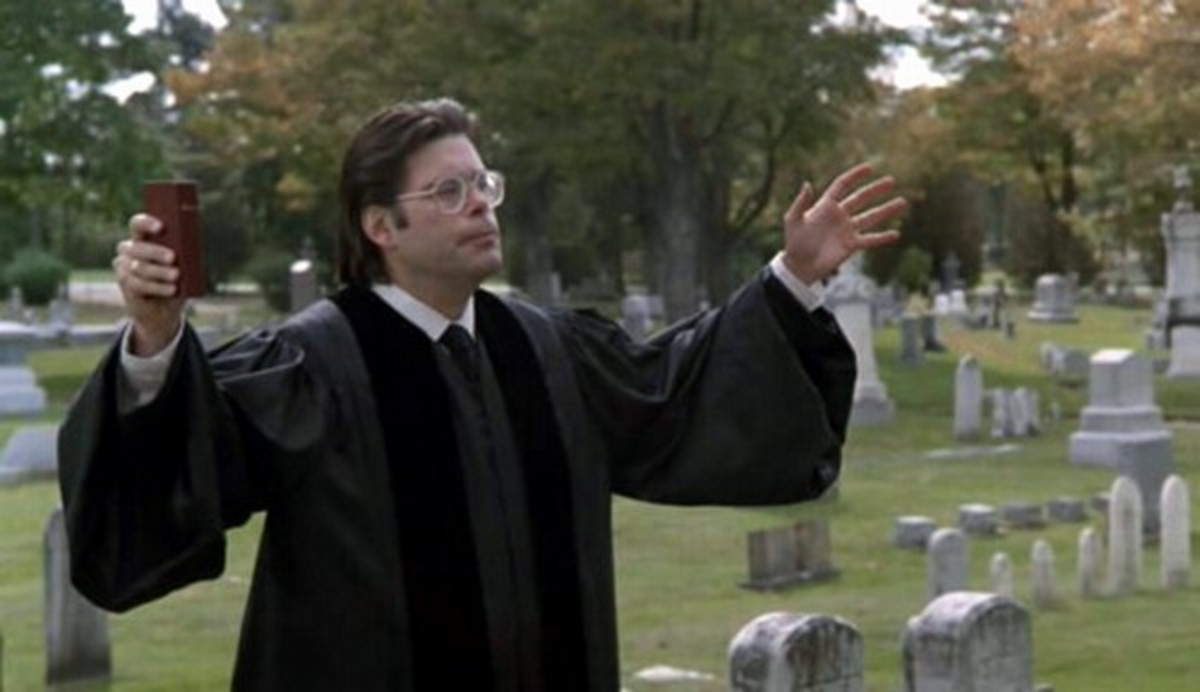Stephen King cameos as a minister in Pet Sematary (1989)
