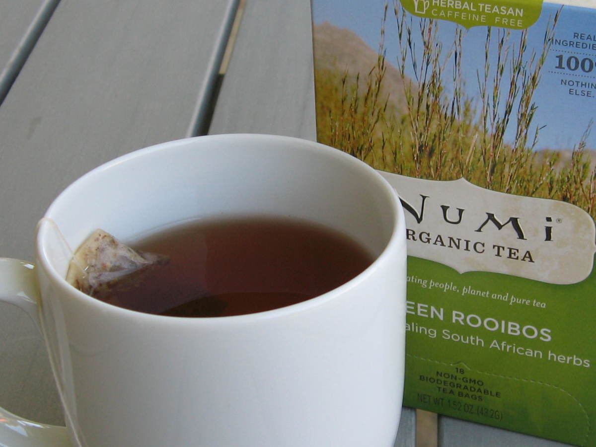 Choose rooibos tea that is natural and organic for the best health benefits.