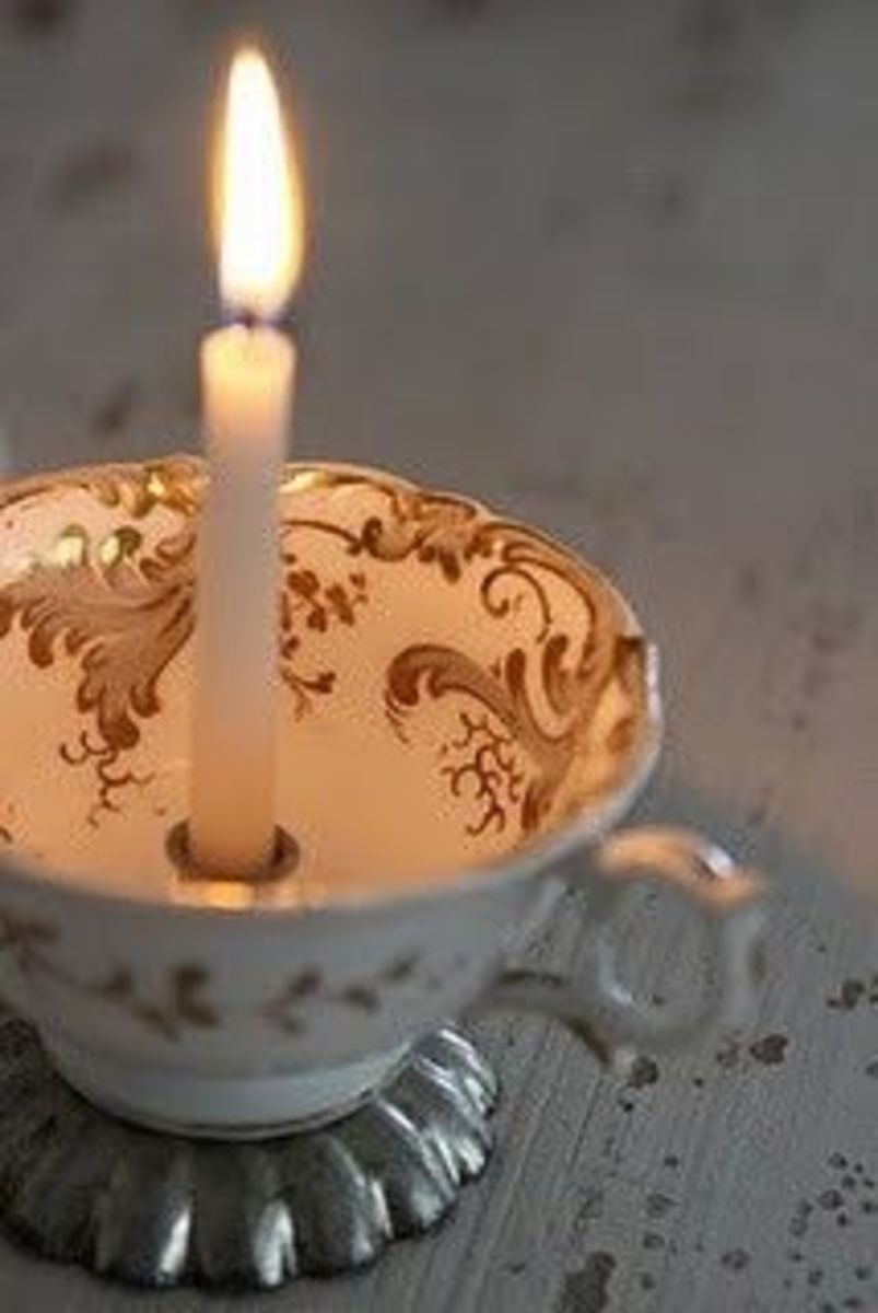 Clicking on the source will take you to the Stipje web page where there a many more ideas not only for teacups but other crafts as well.