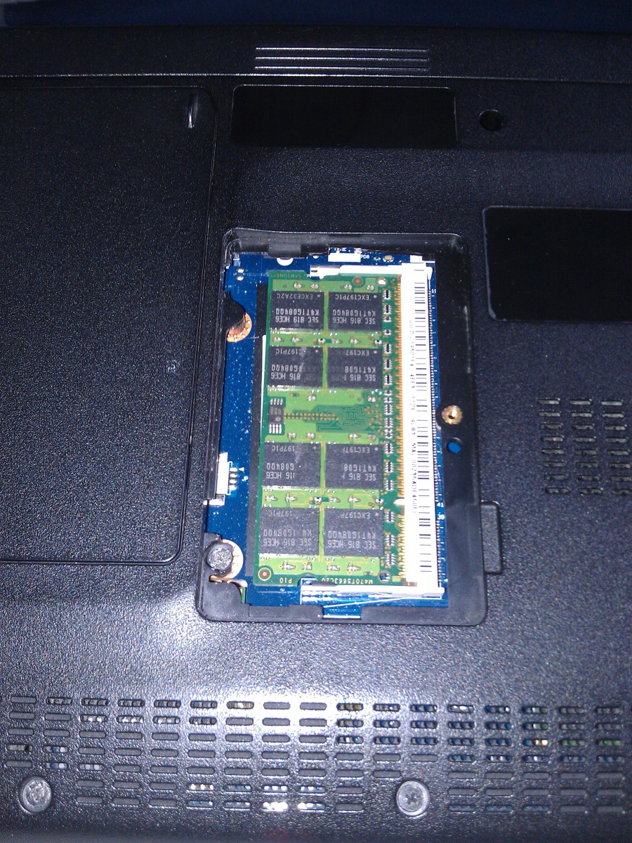 Upgrading RAM In The Acer Aspire One D250 Netbook