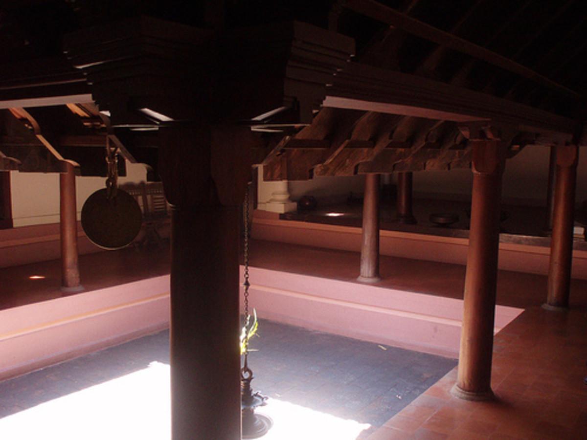 Open coutyard of Nalukettu