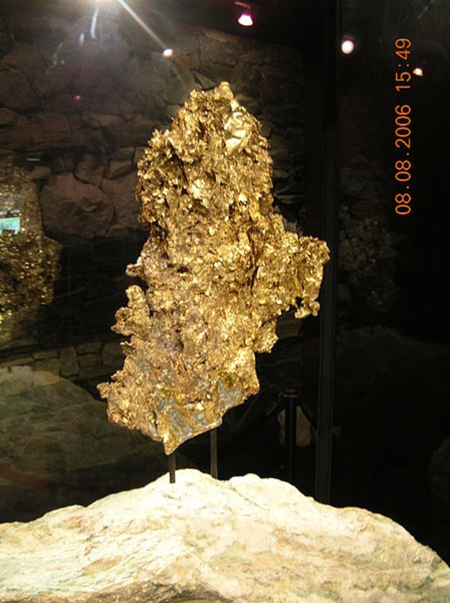 "Ironstone's ""Crown"" Jewel, the 44 lb. crystalline gold specimen, the world's largest. On display to the public at Ironstone Vineyards, Murphys, CA"