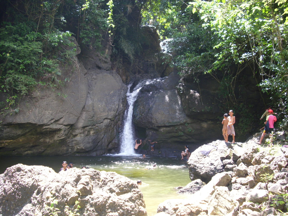 Family  Bonding  At  Busay  Waterfalls